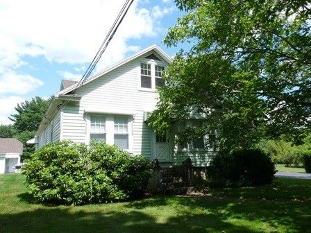 Photo of 560 Mammoth Rd Unit 2 Nd, Londonderry, NH 03053