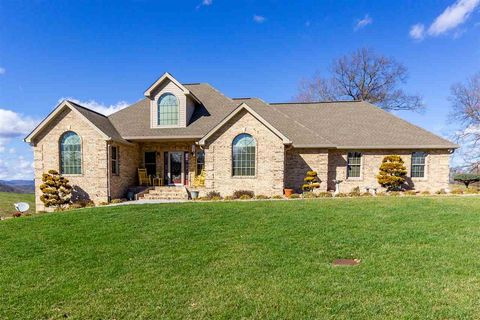 Photo of 3008 Waters Edge Dr, Morristown, TN 37814