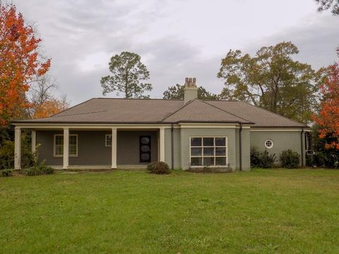 Photo of 155 Eighth St, McRae Helena, GA 31055