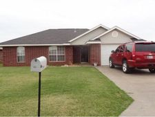 509 Russell Ave, Cordell, OK 73632