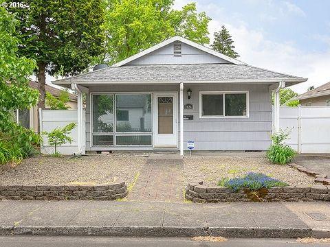 7026 Se Center St, Portland, OR 97206