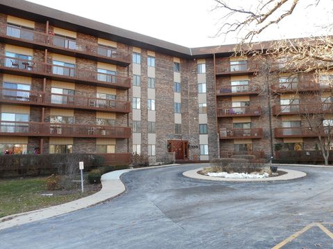 120 Lakeview Dr Apt 501, Bloomingdale, IL 60108