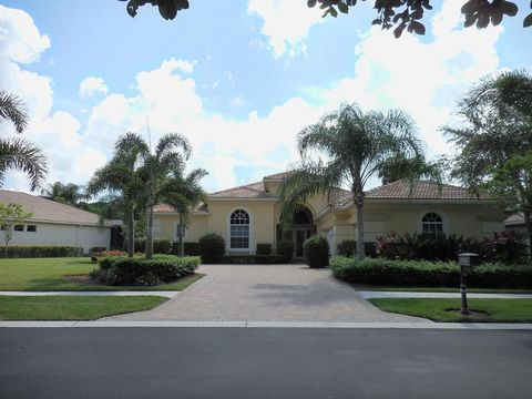 9008 Lakes Blvd, West Palm Beach, FL 33412