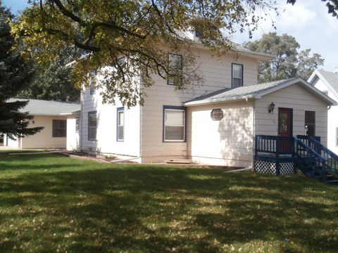 Photo of 401 State Ave N, Wessington Springs, SD 57382