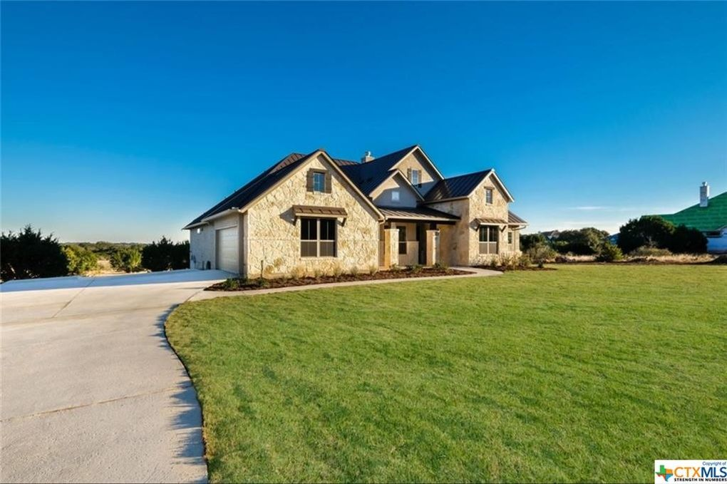 5744 High Forest Dr, New Braunfels, TX 78132