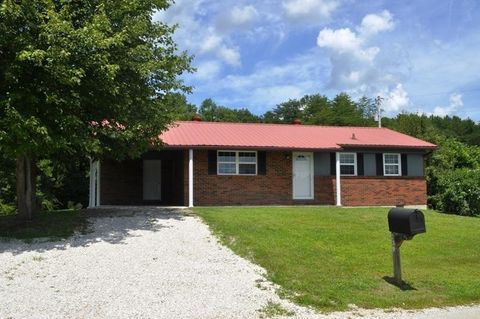 Photo of 239 Boone Creek Rd, Stanton, KY 40380