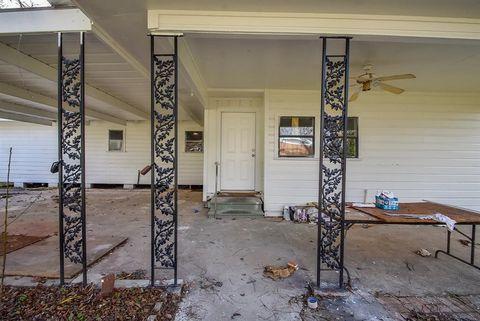 Photo of 721 E Emily Ave, Wharton, TX 77488