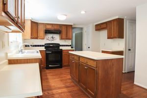125 Heartwood Ct, Loveland, OH 45140 - Kitchen