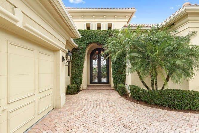 131 Via Mariposa, Palm Beach Gardens, FL 33418 - realtor.com®