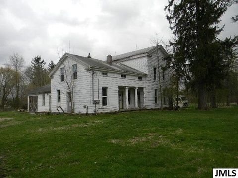 Photo of 11144 Plains Rd, Eaton Rapids, MI 48827