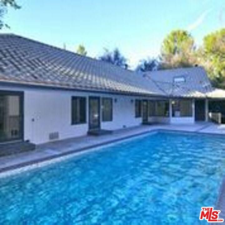 Woodland Hills Home For Custom: 4900 Queen Victoria Rd, Woodland Hills, CA 91364