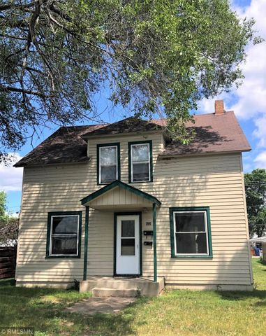 Photo of 822 18th Ave S, Saint Cloud, MN 56301