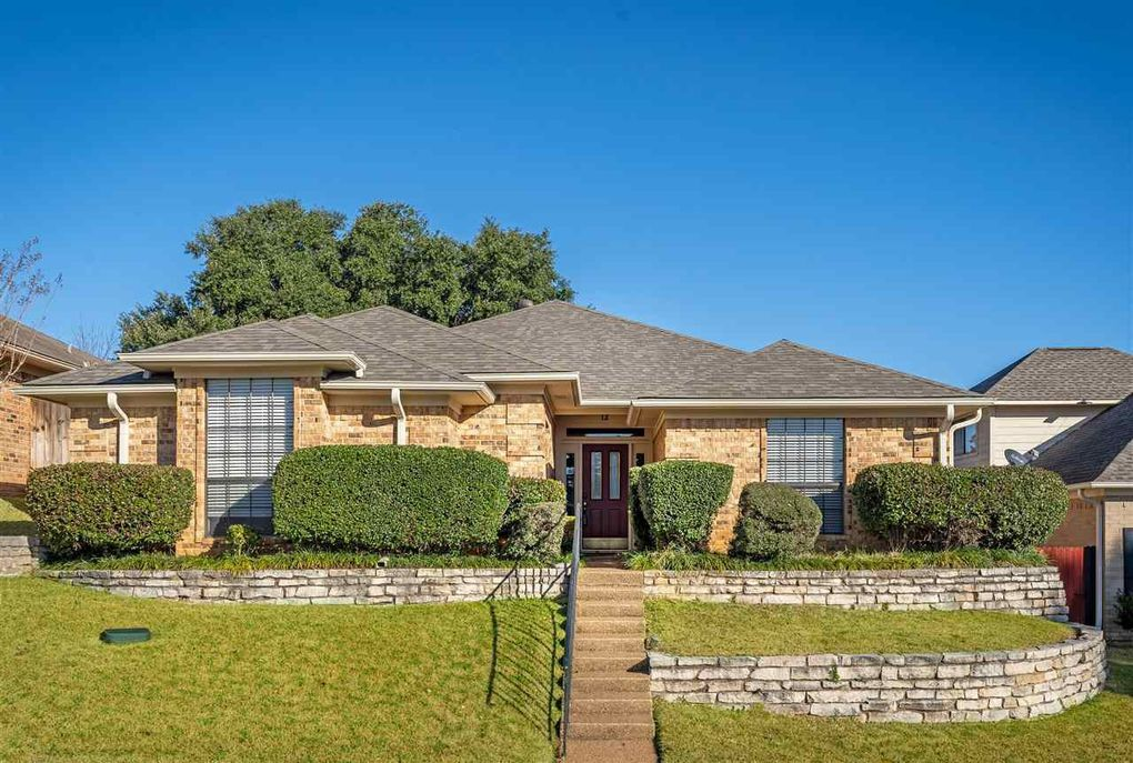 12 Woodland Dr Longview, TX 75605