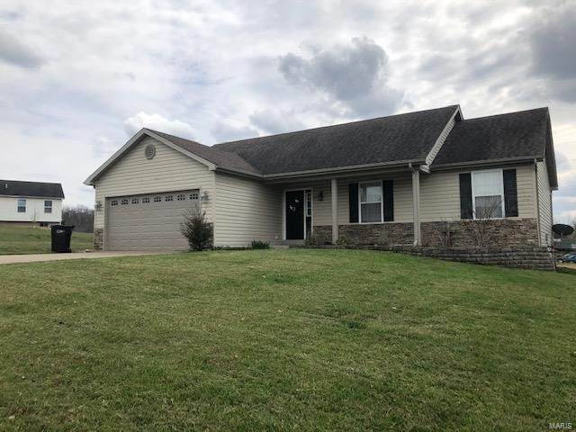 22 Brussels Valley Dr Troy, MO 63379