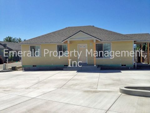 Photo of 5233 Highbanks Rd, Springfield, OR 97478