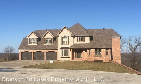 Photo of 220 Whitetail Dr, Walnut Shade, MO 65771