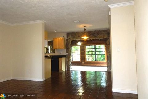 Photo of 1400 Sw 15th Ter, Fort Lauderdale, FL 33312
