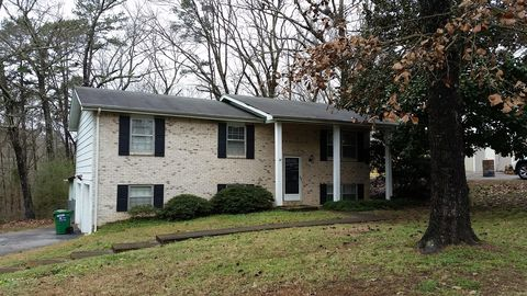 Photo of 4013 Lost Oaks Dr, Chattanooga, TN 37421