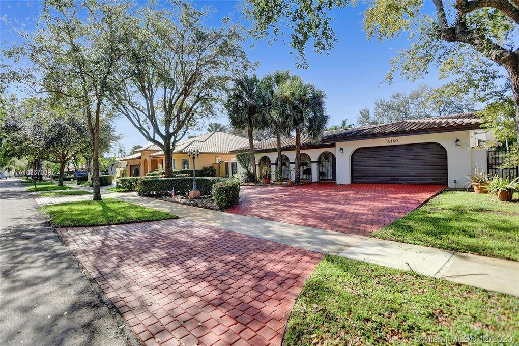 15140 Dunbarton Pl Miami Lakes, FL 33016
