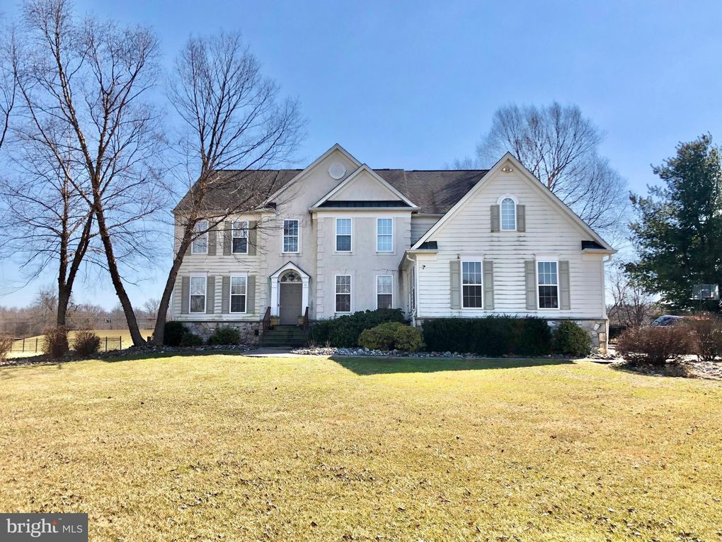 11 Waterford Pl Newtown, PA 18940