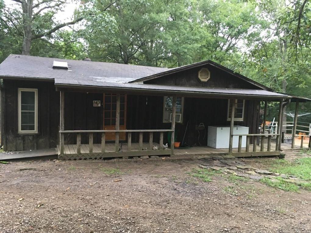 1804 W Main St Clarksville, AR 72830