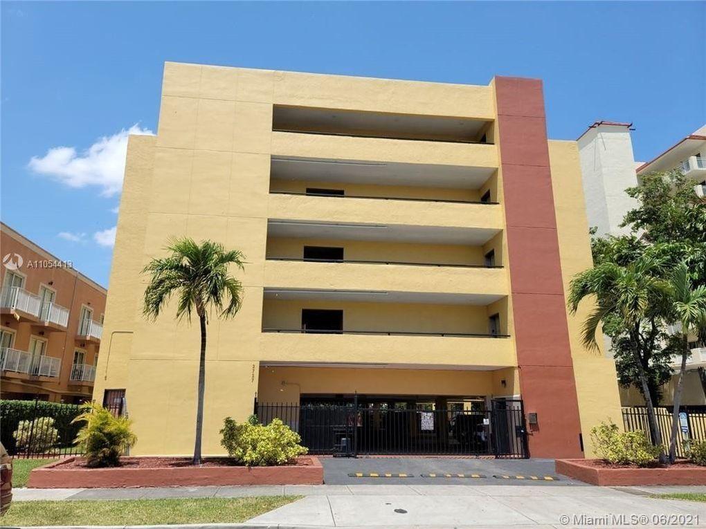 2727 NW 17 Ct Unit 206 Miami, FL 33125