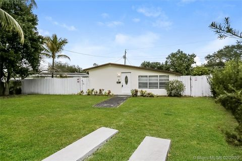 Photo of 1753 Ne 178th St, North Miami Beach, FL 33162