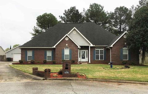 Photo of 106 Irish Moss Ct, Warner Robins, GA 31088
