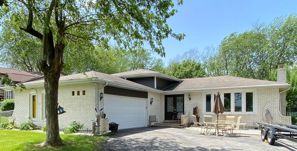 3406 W Lakeshore Dr Crown Point In 46307 Realtor Com
