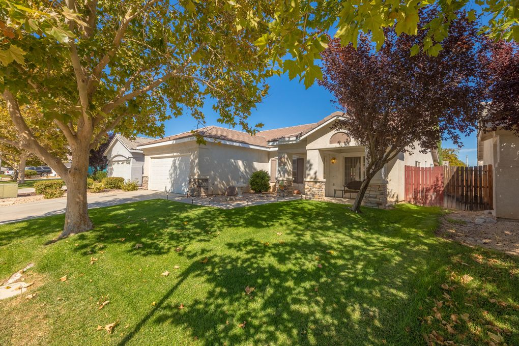 1767 W Avenue H5 Lancaster, CA 93534