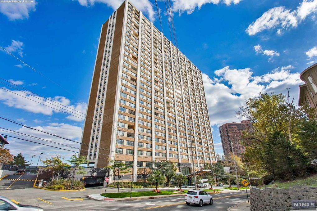 250 Gorge Rd Apt 20L Cliffside Park, NJ 07010