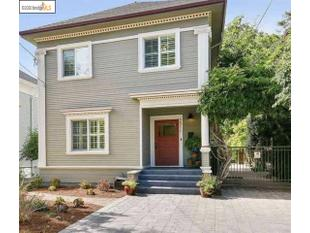 <div>2011 Parker St</div><div>Berkeley, California 94704</div>