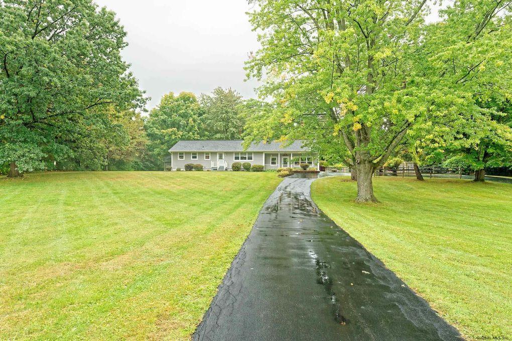 372 Farm To Market Rd Clifton Park Ny 12065 Realtor Com