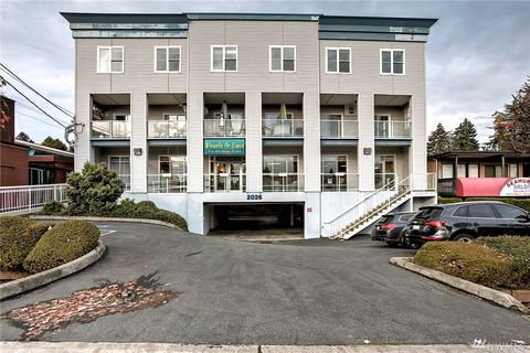 Photo of 2026 Sw 152nd St Apt D, Burien, WA 98166