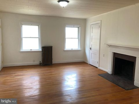 Photo of 116 Prospect Ave S Unit 4, Catonsville, MD 21228