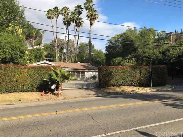 4700 Vanalden Ave Tarzana, CA 91356