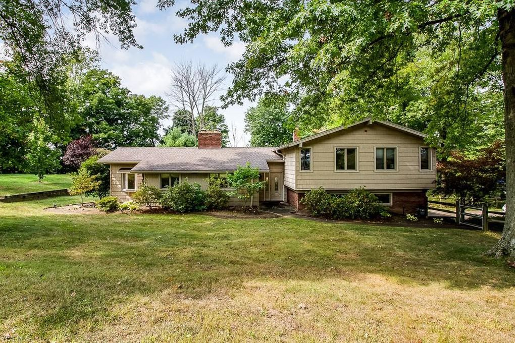 2370 River Rd Willoughby Hills Oh 44094 Realtor Com