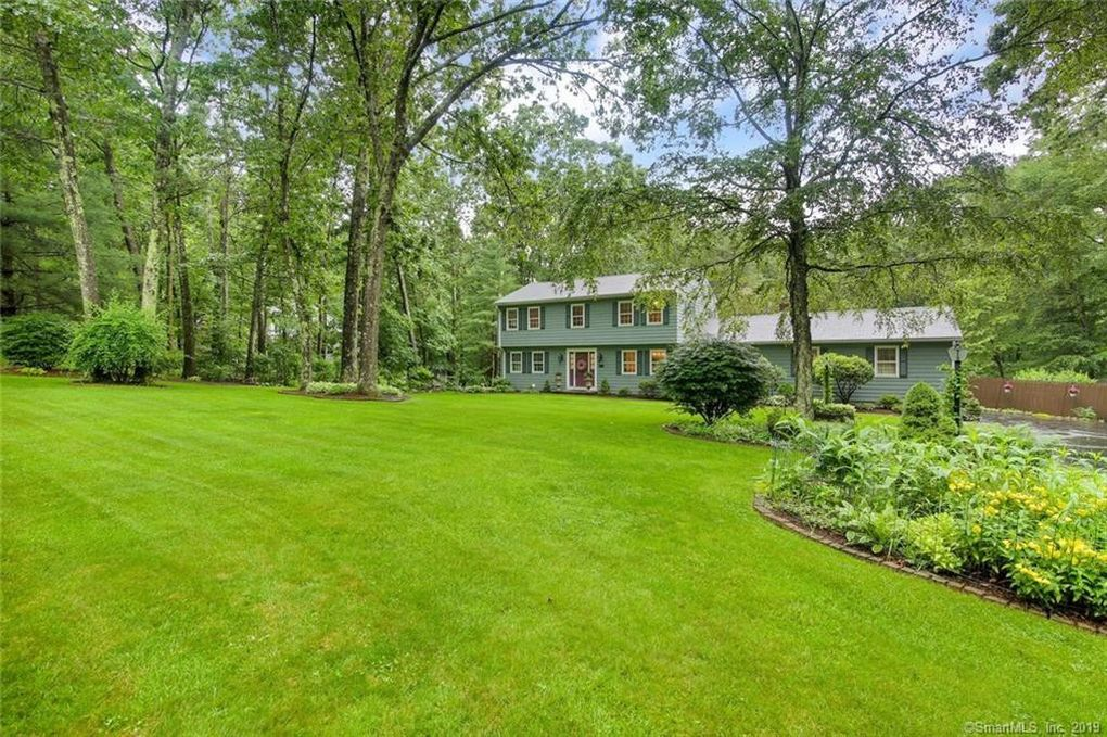 84 Settlers Hill Rd Southbury, CT 06488
