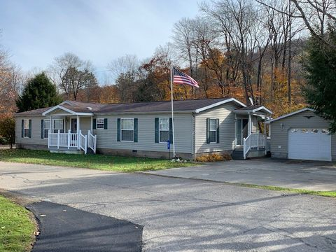 Photo of 43 Lincoln Dr, Lewis Run, PA 16738