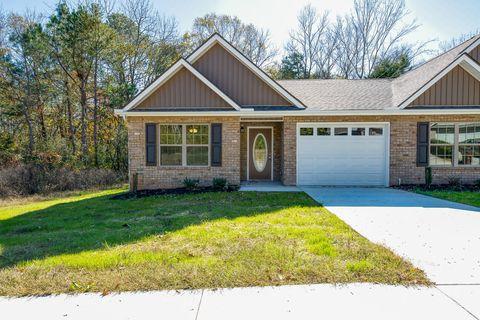 Photo of 152 Oak Place Cir, Madisonville, TN 37354