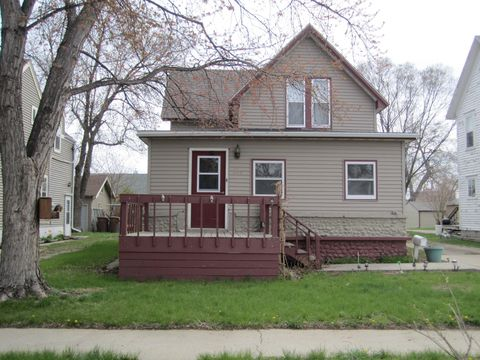 Photo of 218 Nebraska Ave Sw, Huron, SD 57350