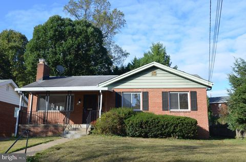 Photo of 129 Fleetwood Ter, Silver Spring, MD 20910