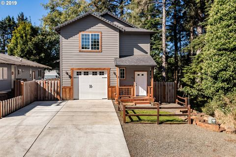 Photo of 541 Se Port Ave, Lincoln City, OR 97367