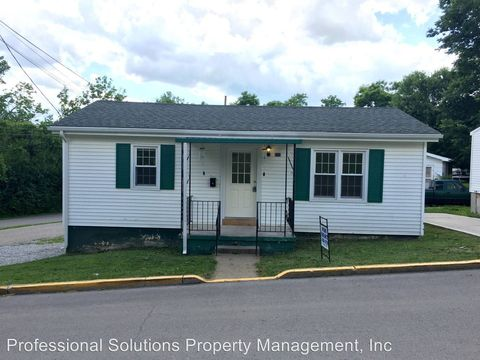 Photo of 240 Tenny Ave, Mount Sterling, KY 40353