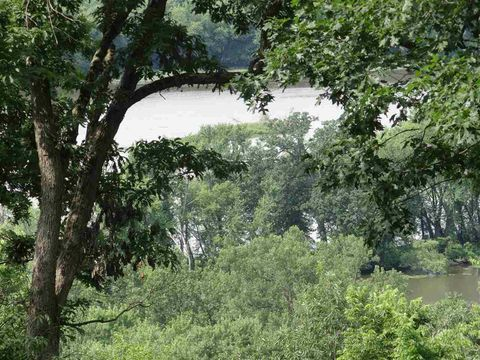 Photo of 5182 River Highlands Ln, Cassville, WI 53806