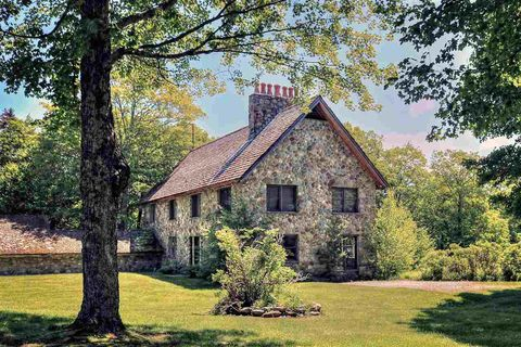 Tremendous Stowe Vt Real Estate Stowe Homes For Sale Realtor Com Beutiful Home Inspiration Xortanetmahrainfo