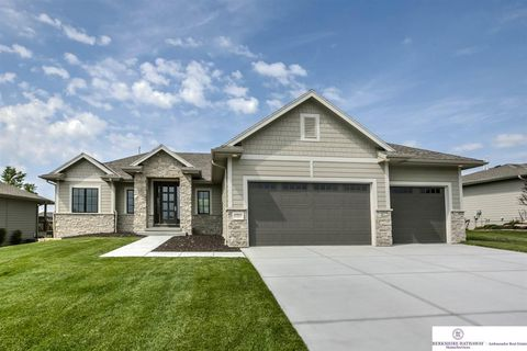 Photo of 12922 Craig St, Omaha, NE 68142