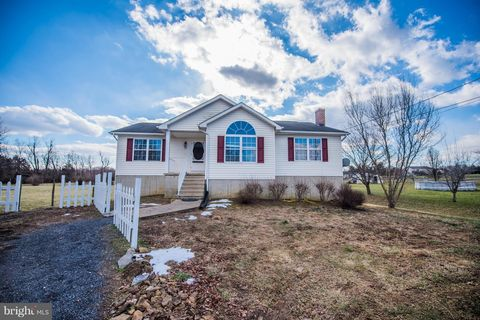 Photo of 39 Dawn Ct, Bunker Hill, WV 25413