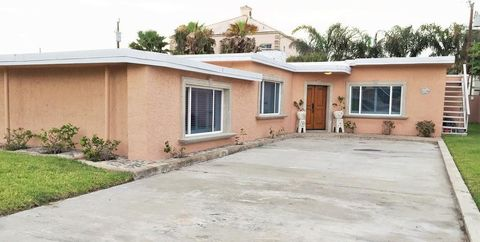 Photo of 106 E Whiting St, South Padre Island, TX 78597