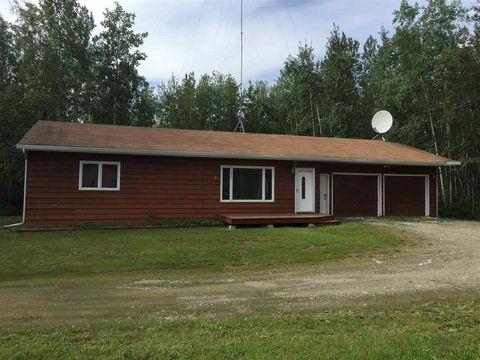 3467 Durham Cir, North Pole, AK 99705